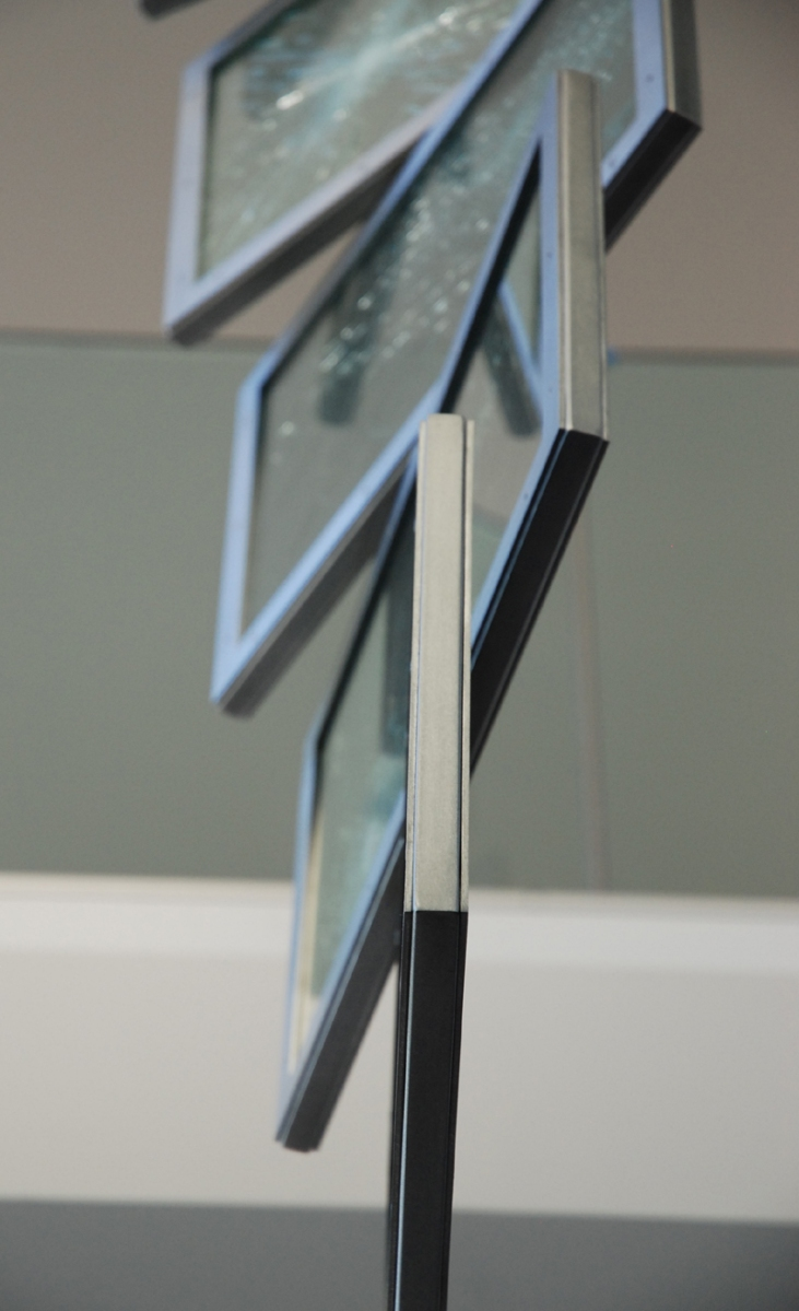 public-art-Montréal-glass